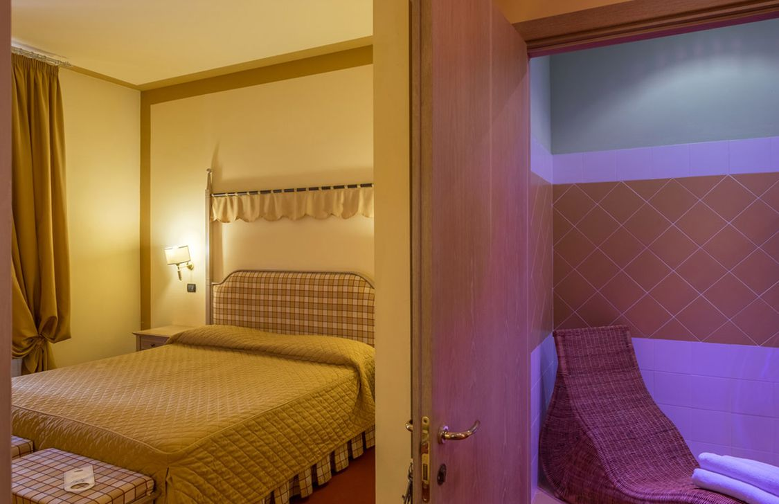 Hotel Manzoni - Montecatini-Terme - Pistoia   Ventis City