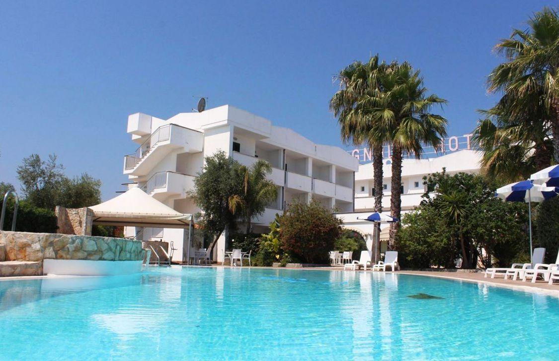 Hotel Magnolia - Piscina