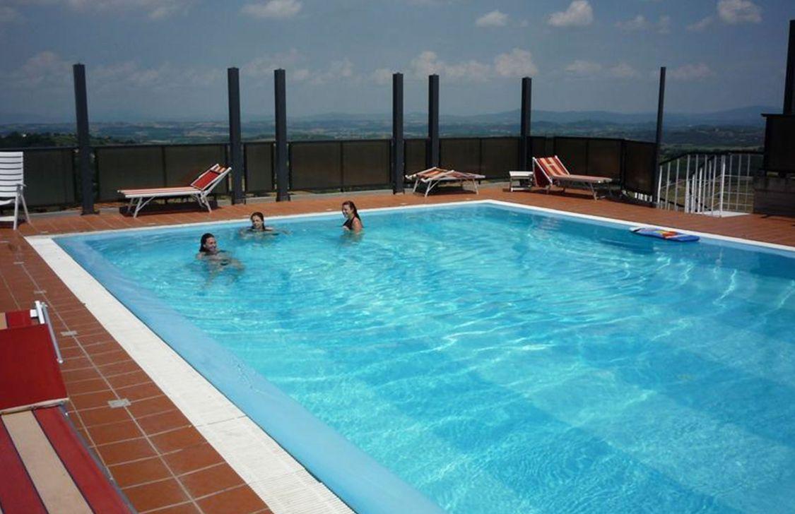 Hotel Montecarlo - Piscina