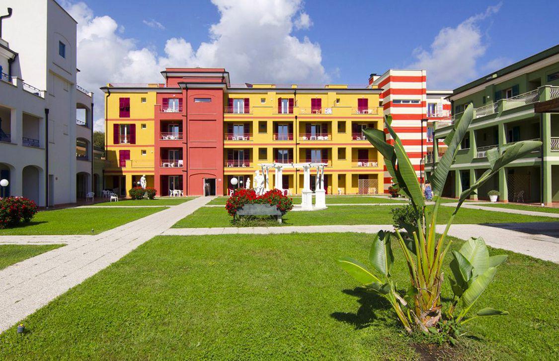 Ai Pozzi Village & Spa - Giardini Residence