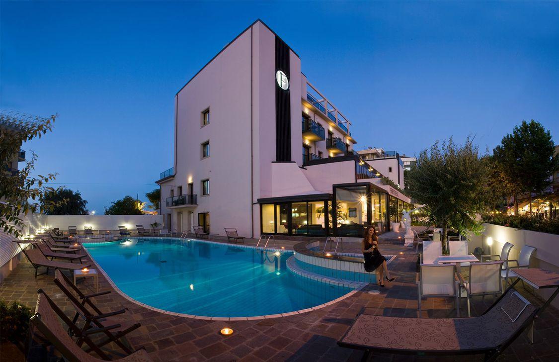 Ferretti Beach Hotel - Esterno