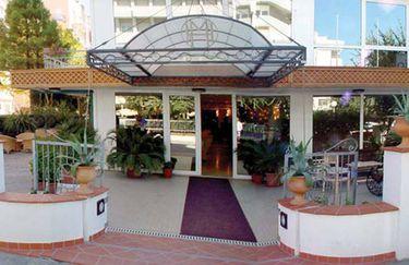hotel-montecarlo-esterno2
