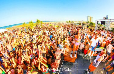 papeete beach - happy