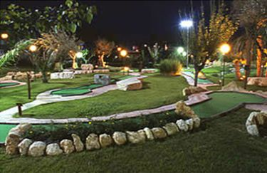 River Green - Mini Golf