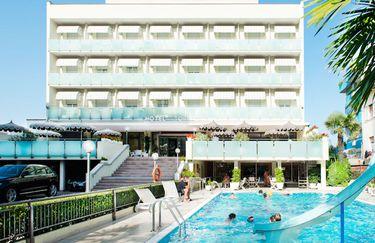 Hotel Torino - Piscina3