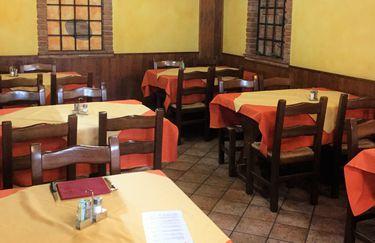 Pizzeria Serenella - Tavoli