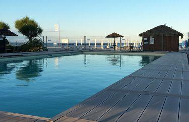 baia-tahiti-piscina
