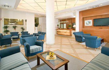 hotel-estense-hall