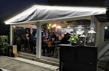 Gourmet Street Food - Esterno