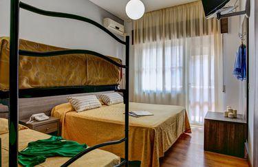 Hotel Maxy - Camera 4