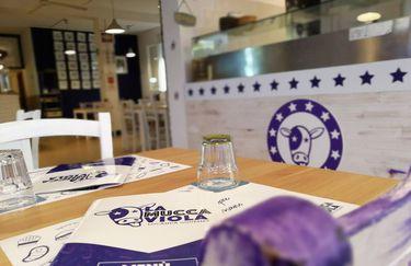 mucca-viola-tavolo