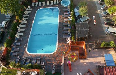 Hotel Prestigio - piscina