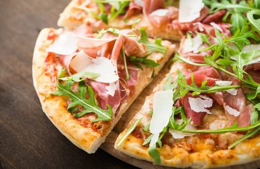 Pizzeria Lo Sfizio - Pizza Crudo Rucola