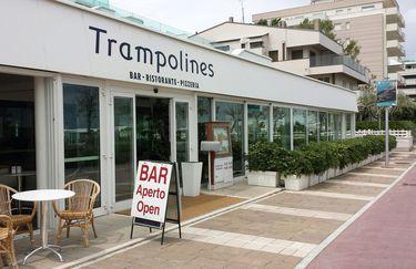 Trampolines - Esterno