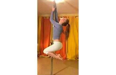 bertoni-rita-pole-yoga