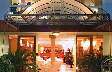hotel-montecarlo-esterno