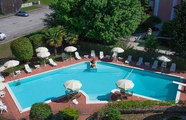 Hotel Ambasciatori - Vista Piscina