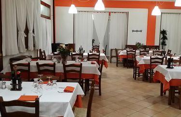 Ristorante Villa dei Pini - Tavoli