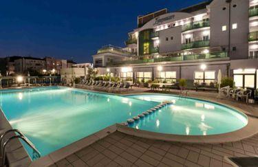 Hotel Lungomare - Piscina