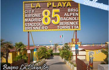 Offerta lettini giornalieri al Bagno La Playa 85 a Rimini - Tippest