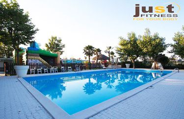 just-beach-piscina
