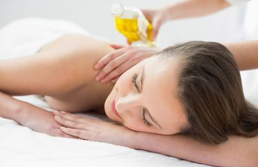 Dott.ssa Caterina Luccarelli - Massaggio con Olio Essenziale