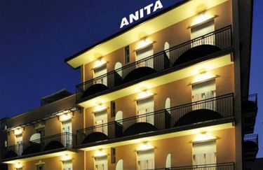 Hotel Anita - esterno notte