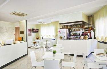 Hotel Fantasy*** - Bar