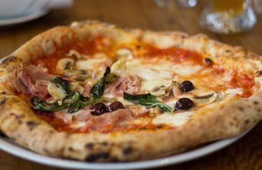 Pizzeria Serenella - Pizza