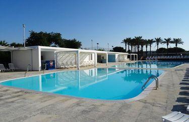 Magna Grecia Hotel Village - Piscina