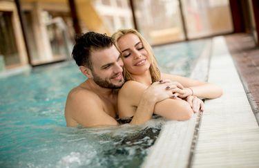 Hotel Commodore - Coppia in piscina
