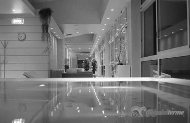 rimini-terme-piscina