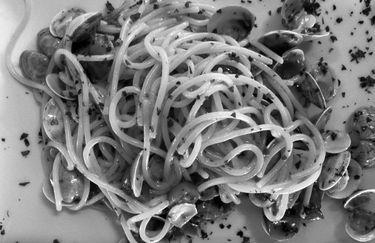 rotonda-bruscoli-spaghetti-vongole