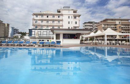 Hotel Tokio Beach - Piscina