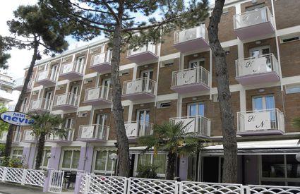 Hotel Nevia ** - Esterno