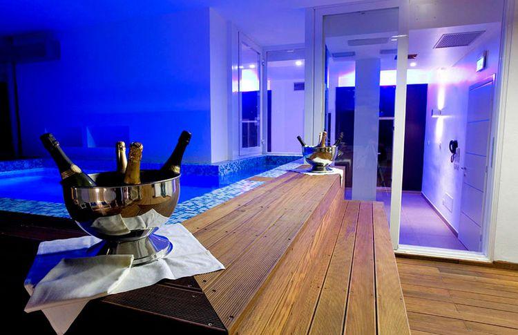 Coupon soggiorno e accesso spa all 39 hotel panama majestic for Soggiorno rimini