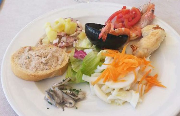 vallugola-cafe-antipasto-pesce