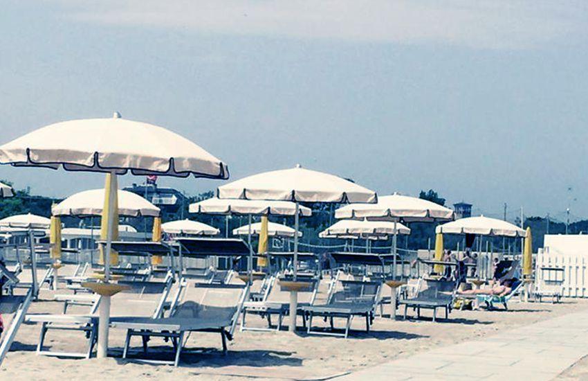 Coupon ombrellone lettini e pranzo al bagno luana beach di marina di ravenna tippest - Bagno marisol marina di ravenna ...